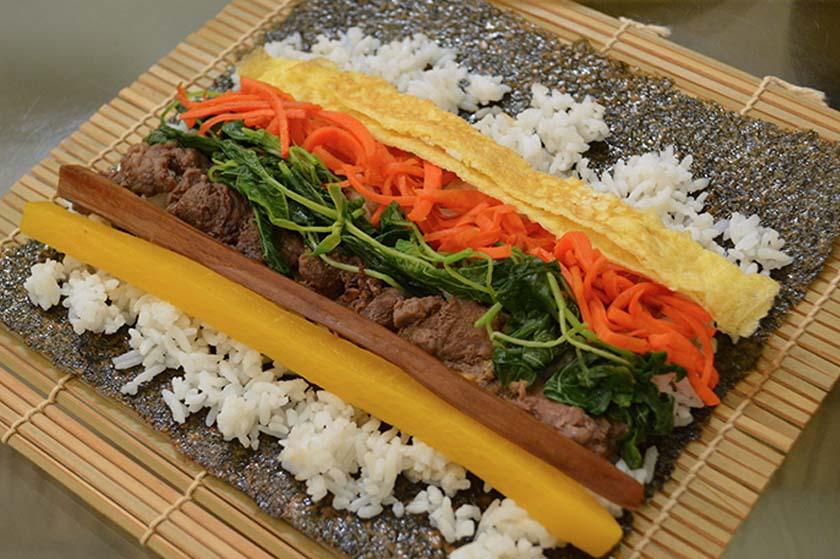Kimbap on bamboo mat