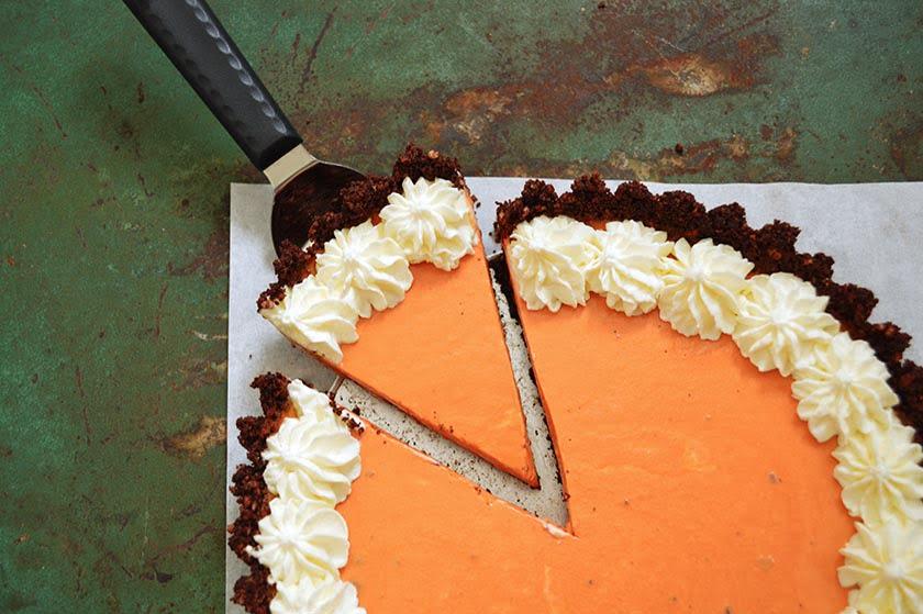 No-Bake Chocolate-Crust Thai Tea Cheesecake