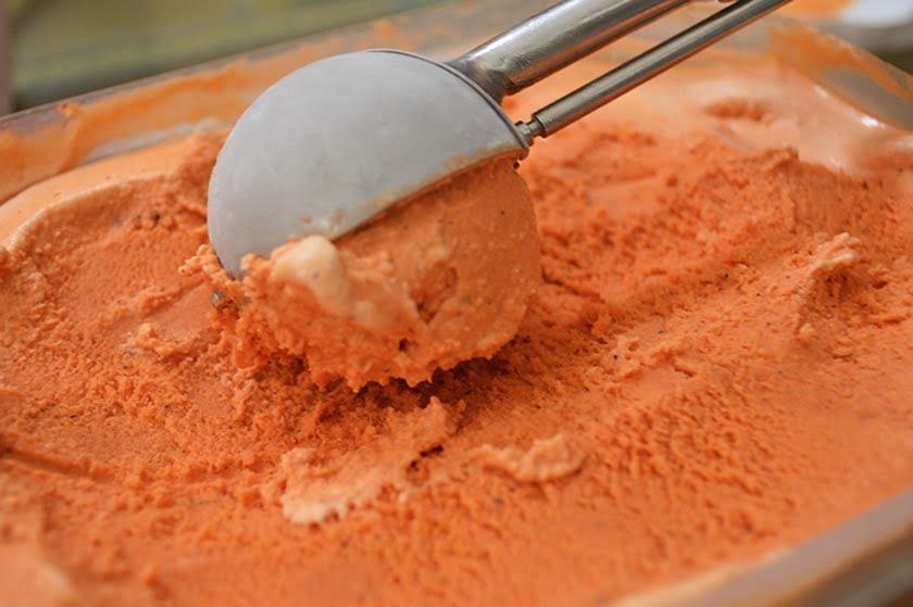 thai-tea-ice-cream