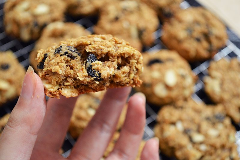 soft almond and raisin oatmeal cookies