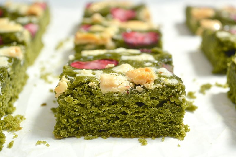 Strawberry Matcha Brownies with White Chocolate