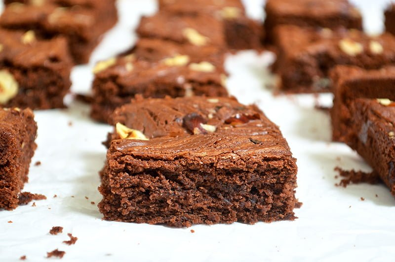nutella brownies with hazelnuts