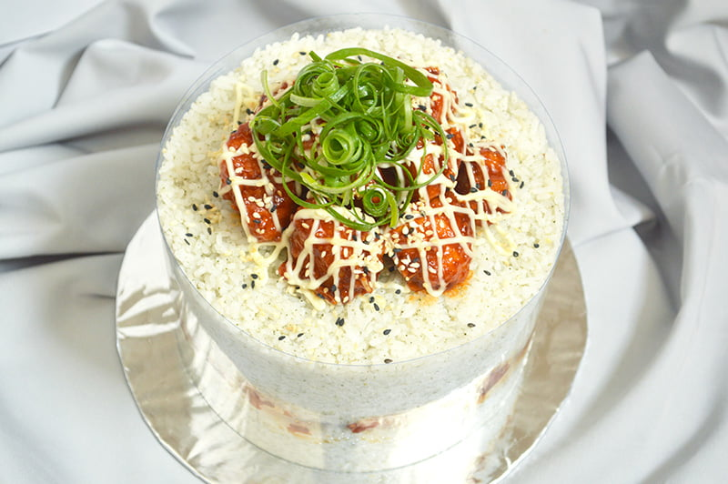 korean fried chicken cake made from rice