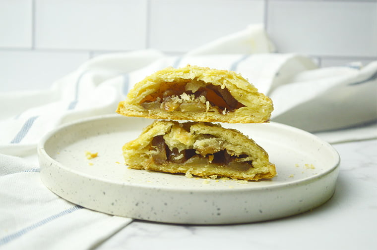 flaky pie crust with apple filling