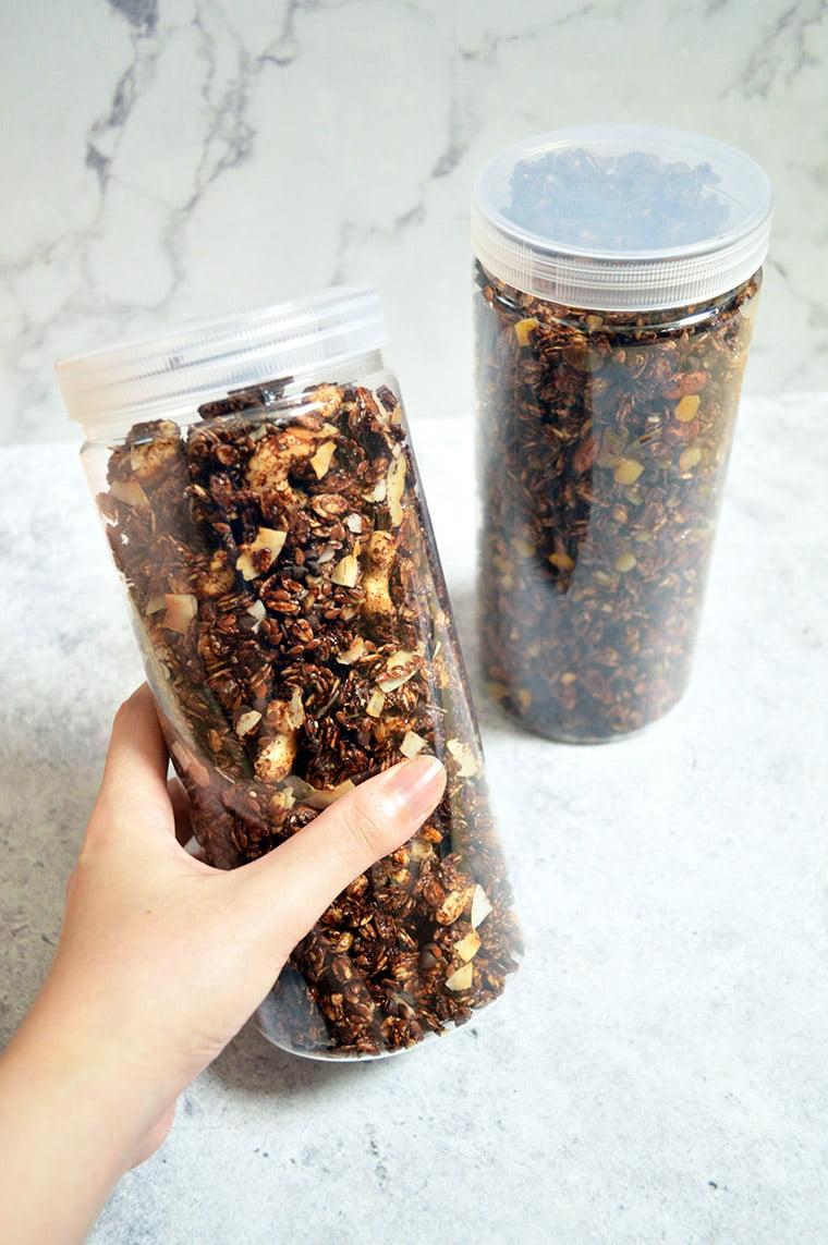 cashew chocolate granola