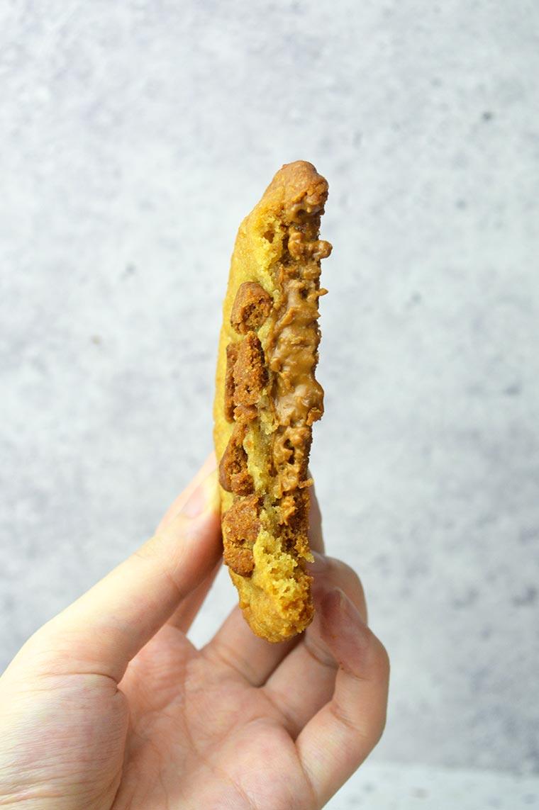 biscoff stuffed cookies