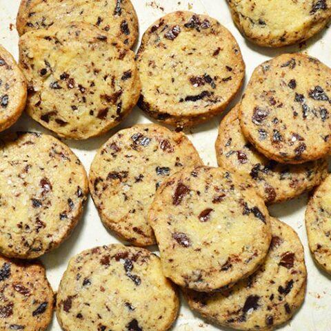 chocolate chunk shortbread cookies