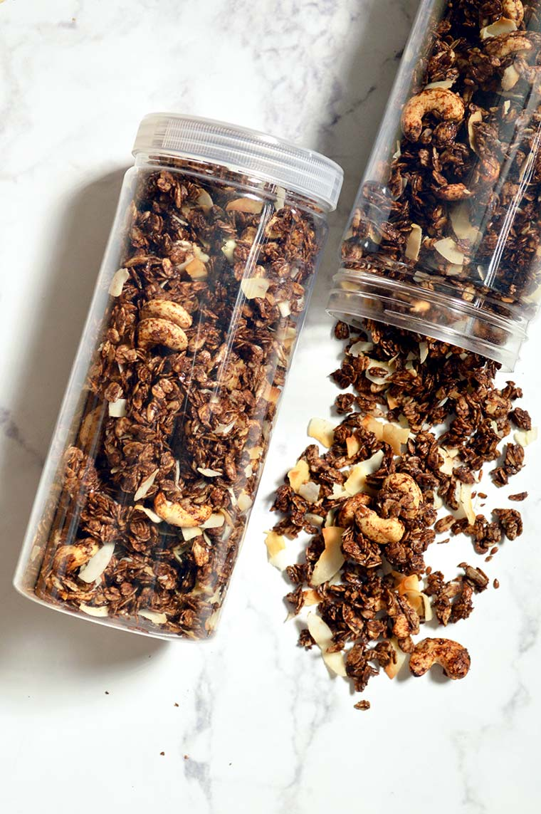 chocolate espresso granola with cashew and coconut flakes