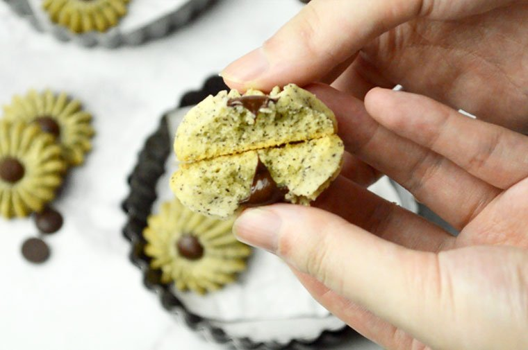 earl grey butter cookies with chocolate chips