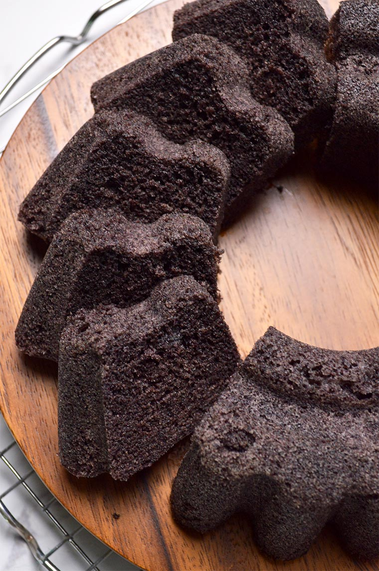 steamed black glutinous rice cake