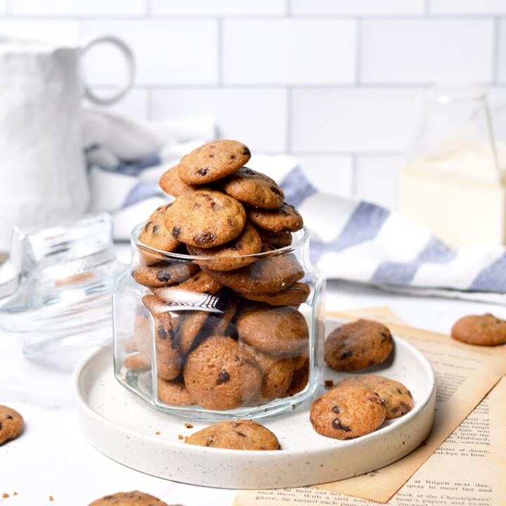 famous amos style mini crunchy chocolate chip cookies