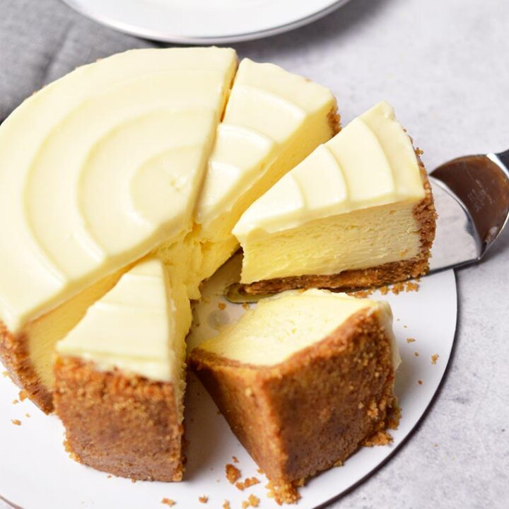 new york cheesecake with sour cream topping